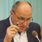 Marek Nowara przekonywał radnych, że inwestycja stanie się silnikiem turystycznym dla Świnoujścia. Foto: Wojciech Basałygo