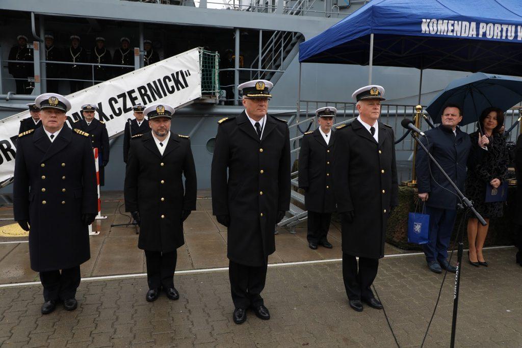 Komandor Piotr Nie U0107 Dow U00f3dc U0105 8 Flotylli Obrony Wybrze U017ca